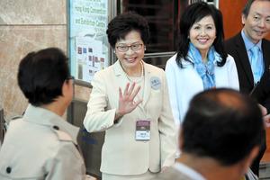 親中派の林鄭月娥氏当選 香港行政長官、市民支持は低迷