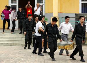 監禁されていた警官ら解放 ベトナムの土地収用問題