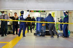 秋葉原駅で爆発物騒ぎ 基板むき出し、故意に設置か