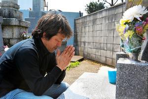 妻と義母を亡くした小西政弘さん。…