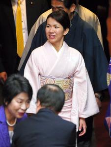 離党届の豊田氏、関係者に暴行認める 都議選へ自民痛手