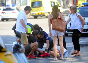 バルセロナでテロ、車暴走し13人死亡 ISが犯行声明