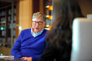 「価値観押しつけでは」ビル・ゲイツ氏へ「10の難問」