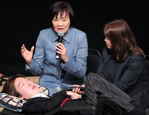 昭恵氏が対談イベント、森友に触れず 終始笑顔で40分
