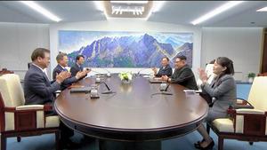【タイムライン4月27日午前】南北首脳、手取り一歩