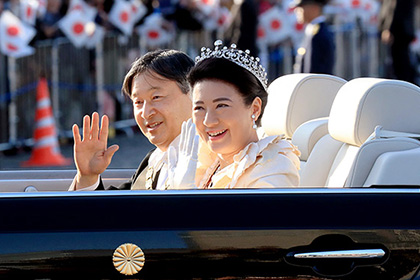 【Asahi.com article】【Today's English】Enthronement parade's mega turnout leads to ordeal to view it