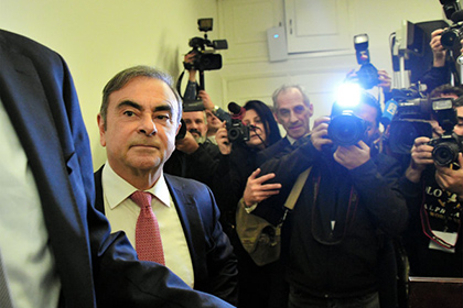【Asahi.com article】【Today's English】Ghosn happy to be in Lebanon surrounded by family, friends