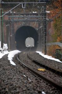 米軍機に襲撃された列車が停車した湯の花トンネル=東京都八王子市裏高尾町