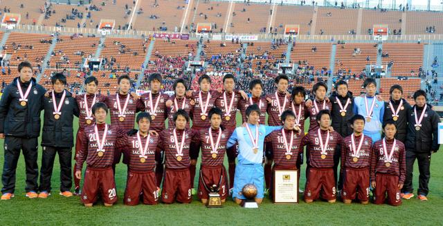 2年連続3度目の全国選手権で準決勝に進出した男子サッカー部員ら=1月11日、東京・国立競技場