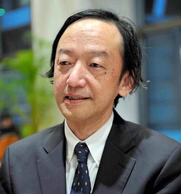 岡崎哲二(おかざき・てつじ)