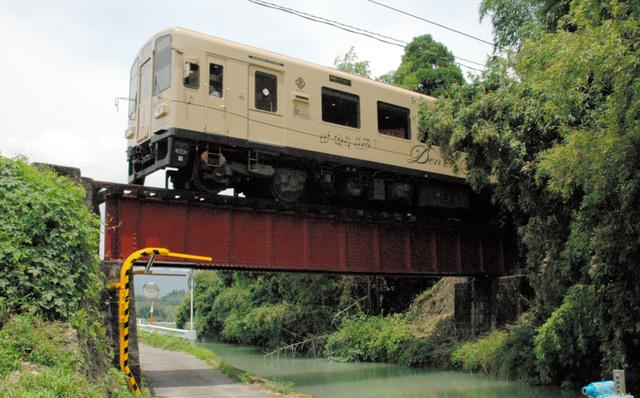 写真・図版 農業用水路に架かる「百太郎橋梁(きょうりょう)」も有形文化財に登録され... 熊本)