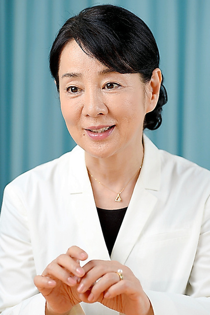 Actress Sayuri Yoshinaga talks about her opposition to nuclear weapons and nuclear energy. (Kazuo Yamamoto)◇吉永小百合さん