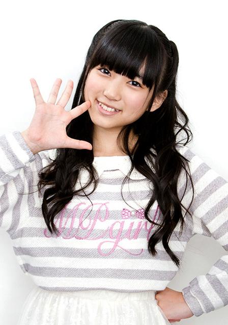 13歳。東京都出身。身長144センチ。ユニット「なこみく」を組む田中美久と共に人気急上昇中=品田裕美撮影