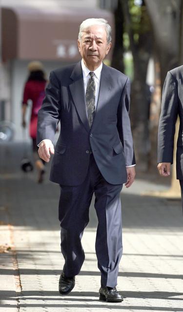 大阪高裁に向かうJR西日本の井手正敬・元会長=10日午前9時43分、大阪市北区、伊藤進之介撮影