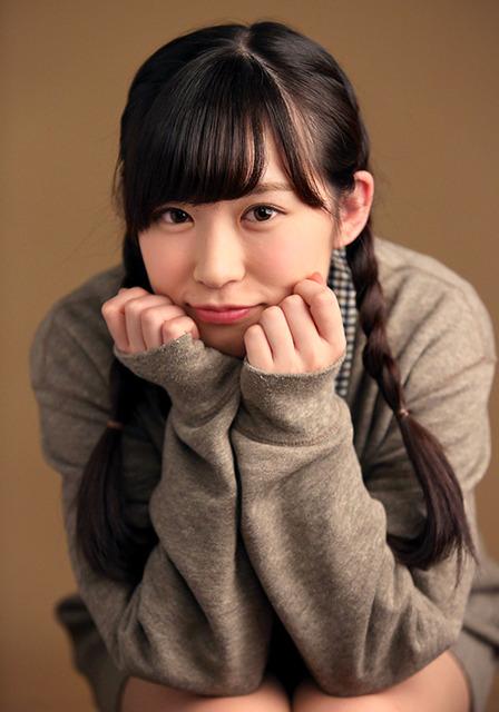 20歳。名前は父が吉本ばななの小説からつけた。新曲「12月のカンガルー」の選抜メンバー=倉田貴志撮影