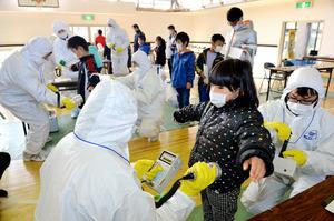 福島・川内村で原発事故後初の訓練 「恐怖思い出した」