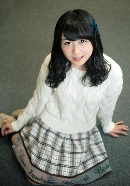 16歳。チームB所属。新曲「希望的リフレイン」ではドラフト生でただ一人選抜になった=篠田英美撮影