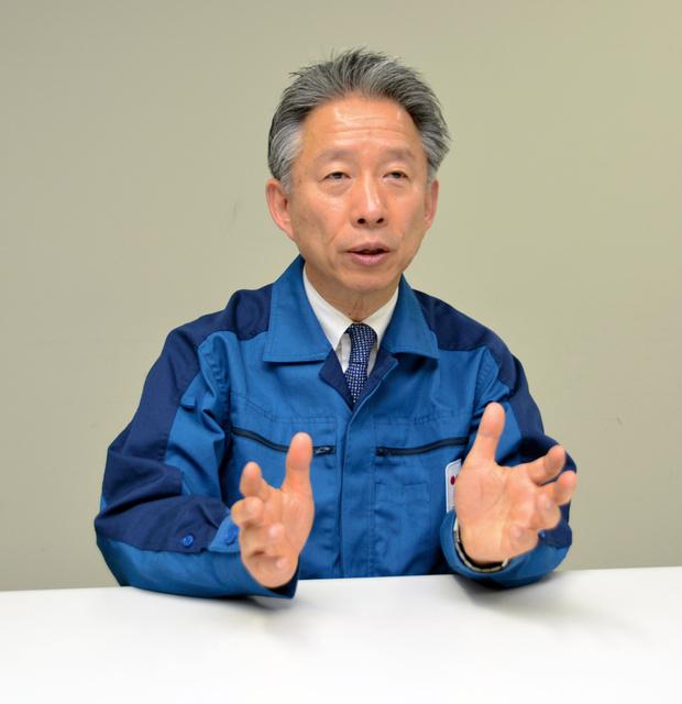 インタビューに答える石崎芳行・東電福島復興本社代表=福島市内