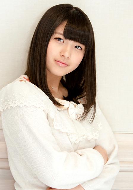 白い服の大和田南那
