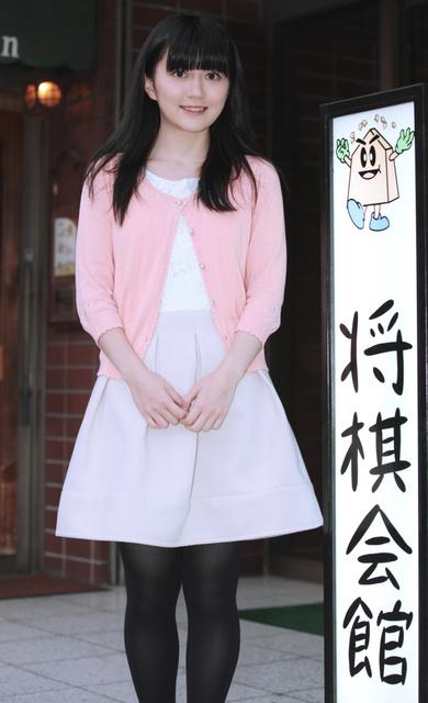 """【将棋】""""将棋界のまゆゆ""""香川愛生女流王将、人気急上昇 ファンの間では「番長」"""