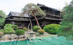 佐々紅華が設計した京亭。現在は割烹旅館として引き継がれている=埼玉県寄居町寄居