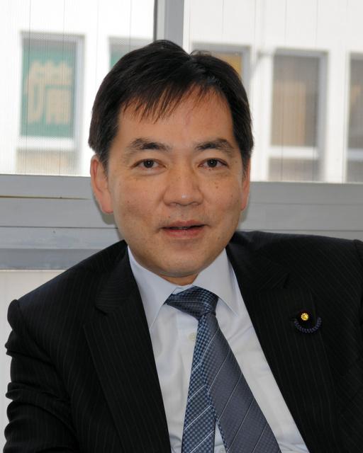 宇宙飛行士の古川聡とは同級生。互いの家を行き来した浅尾