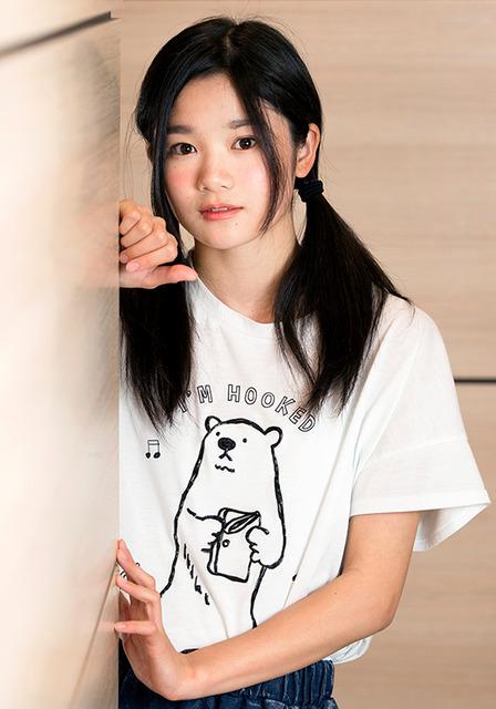 15歳。チーム8のセンター的ポジションに立ち、AKB48のシングル曲でも選抜経験のある若手注目株=慎芝賢撮影