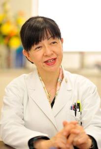 さいとう・かよこ東京女子医科大学附属遺伝子医療センター所長・教授 1976年東京女子医科大学卒業。米国テネシー州立大学客員准教授、東京女子医科大学助教授などを経て2004年より現職。日本遺伝カウンセリング学会理事長、日本人類遺伝学会理事、同学会倫理審議委員長などを務めている。