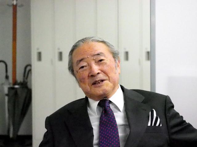 後に中国大使などを歴任した佐藤嘉恭氏
