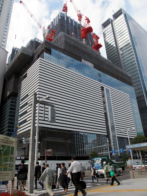 名古屋駅前に2017年4月に開業予定のJRゲートタワーにもホテルが入る=名古屋市中村区