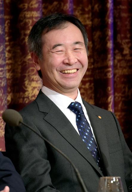 記者会見で笑顔を見せる梶田隆章さん=7日午前9時38分、ストックホルム、竹花徹朗撮影