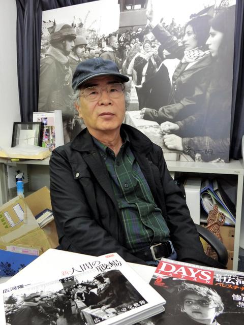 広河隆一さん。今回の映画の題名は自らの写真集「人間の戦場」から取った=世田谷区