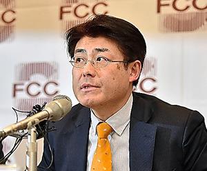 ソウルで17日、判決後に記者会見をする産経新聞の加藤達也・前ソウル支局長=AFP時事