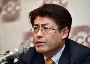 ソウルで17日、無罪判決後に記者会見した産経新聞の加藤達也・前ソウル支局長=AFP時事