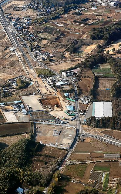 甘利氏側に現金を渡した建設会社がURとトラブルになっていた土地周辺=28日、千葉県白井市、本社ヘリから、池永牧子撮影