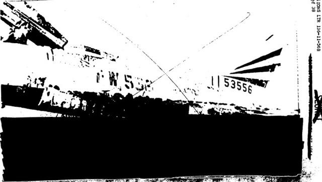 米公文書にある事故機の写真。下部の3分の1ほどが黒く塗られており、この部分に焼けた爆弾が写っているとみられる