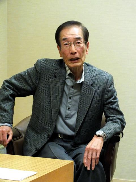 1千勝を達成した石井邦生九段=1日、大阪市北区