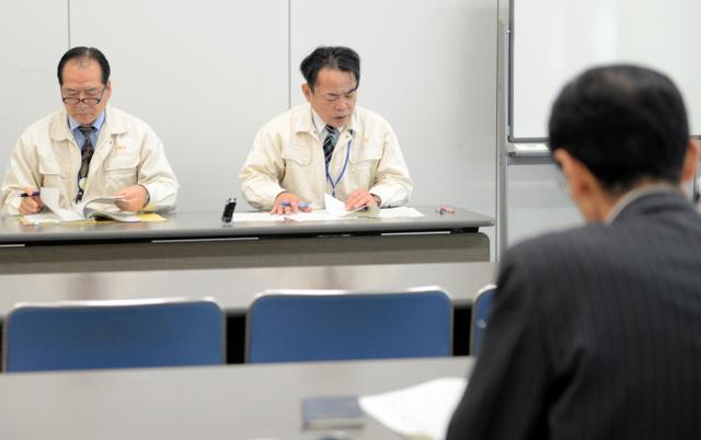 市が開いた屋根貸し事業の説明会には3社が訪れた=1月19日、宮崎市