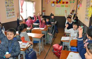 ネパール人学校、生徒急増 日本で唯一、開校3年で8倍