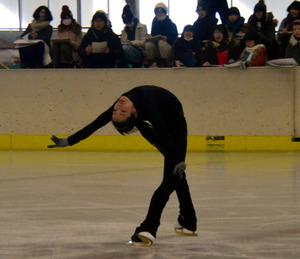 秋田)荒川静香さん、県立スケート場で特別授業