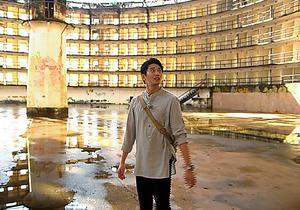 キューバで向井は、かつての刑務所も訪れた