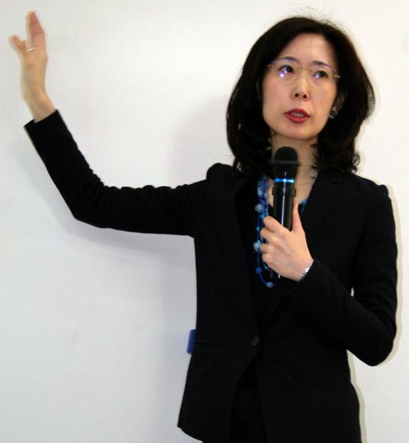 結果を報告する清水奈名子准教授=宇都宮大学