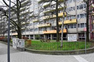 ナジム・アシュラウィ容疑者が遊んでいたというブリュッセル北東部スカルベーク地区の実家近くの公園=渡辺丘撮影