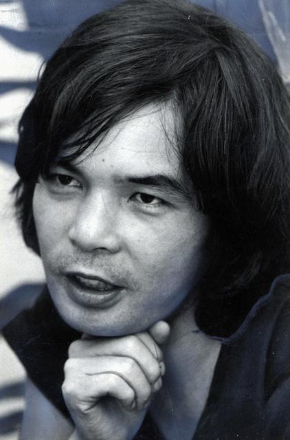 東由多加さん=1980年