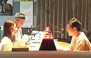 右からジェーン・スーさん、放送作家の古川耕さん、金曜パートナーの堀井美香アナウンサー