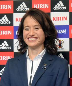 なでしこ新監督、高倉氏就任 「どの大会でも優勝狙う」