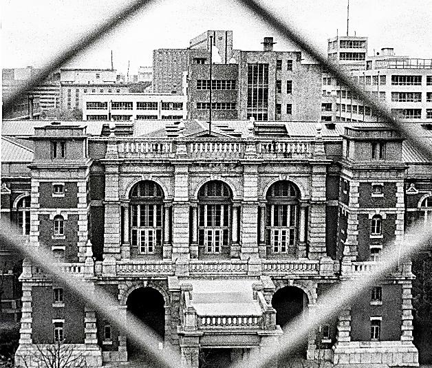 当時の最高裁庁舎=1971年4月撮影