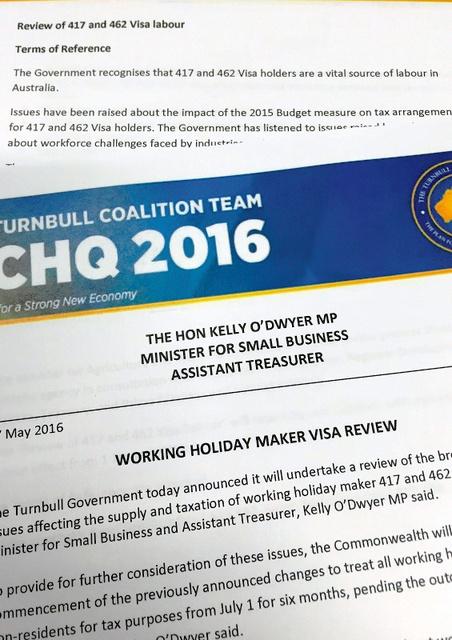 「バックパッカー税導入見直し」は5月17日、保守連合の選挙チームのロゴつきで中小企業担当大臣が発表した