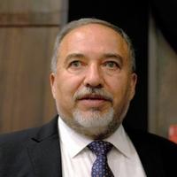 イスラエル、極右党首が国防相就任 遠のく和平交渉