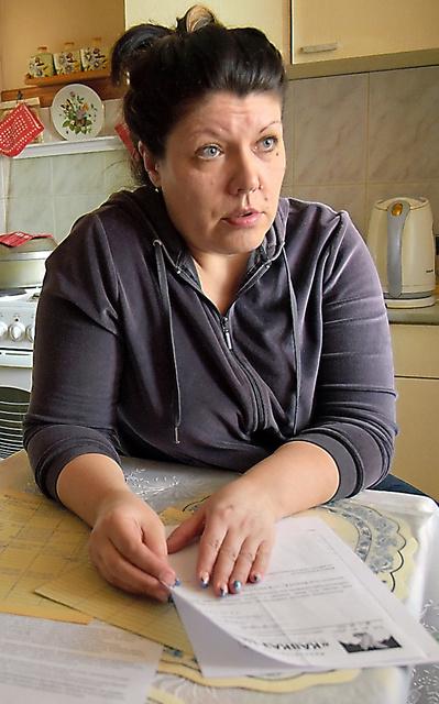 執拗(しつよう)な電話や落書きなどの嫌がらせをコレクトルから受けたマリーナ・スベリードワさん